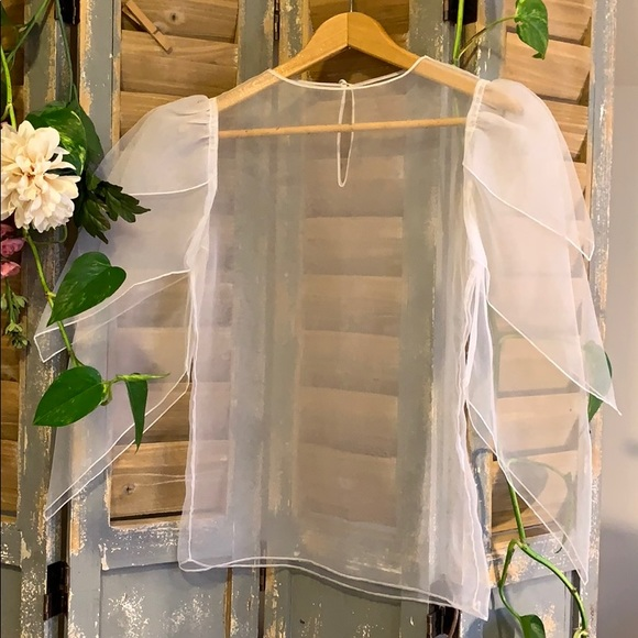 White Organza custom made layered sleeve blouse🦄
